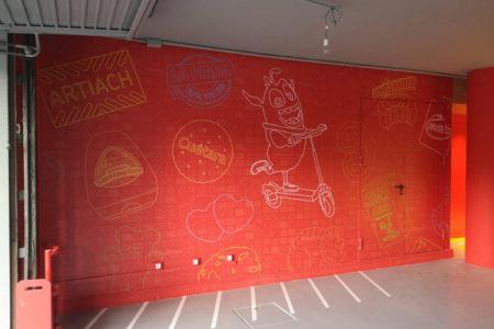 Decoración de pared exterior con vinilo impreso artiach