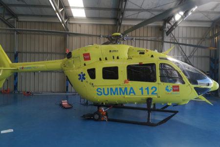 Helicóptero rotulado corporativo